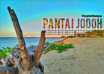 Pantai Jodoh Sampang