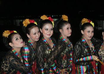 Tari Sorong Kasereng